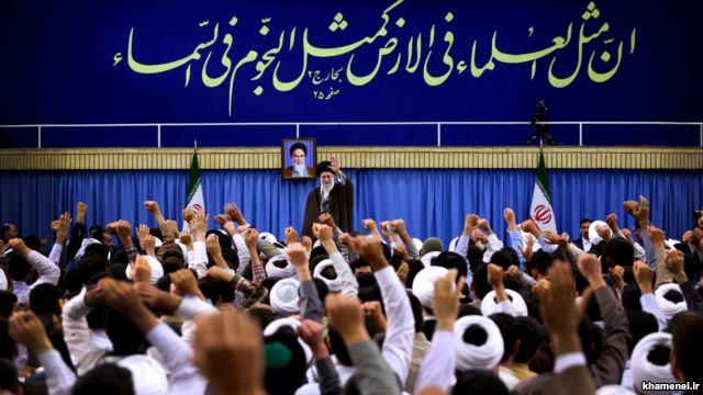 سیاستمداری روحانیت دخالت در حوزهی غیرتخصصی