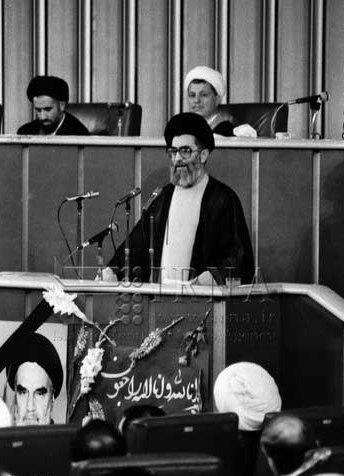 تحلیل اجلاسیه ۱۴ خرداد ۶۸ مجلس خبرگان